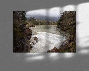 Regen bij de Lechfall in Füssen van Teresa Bauer