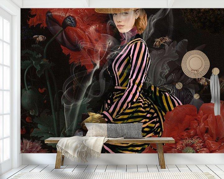 Sfeerimpressie behang: The Beekeeper van Blikstjinder by Betty J