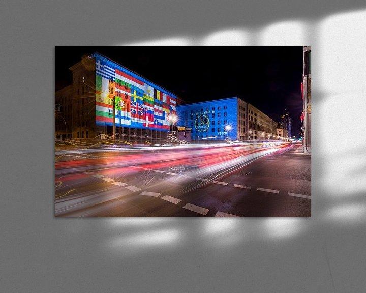Impression: La façade du ministère fédéral des Finances sous un éclairage particulier sur Frank Herrmann