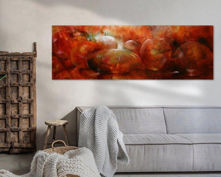 Sfeerimpressie: Reflectie - rode glazen knikkers, kommen en bollen van Annette Schmucker