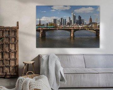 frankfurt skyline view with ignas bubis bridge, Germany von shot.by alexander