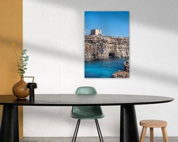 Een toren op Comino I Malta van Manon Verijdt