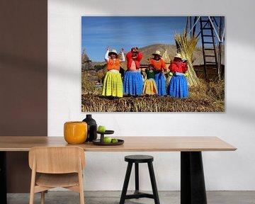 Uros-Indianer auf Insel im Titicacasee Peru von Yvonne Smits