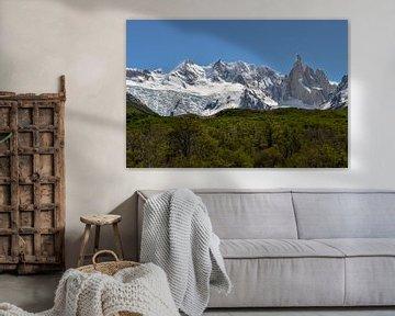 Heldere dag op Cerro Torre, Patagonië van Christian Peters
