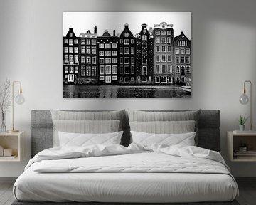 De Damrak Amterdam in zwart wit beeld van Linsey Aandewiel-Marijnen