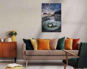 Landschaft auf den Lofoten mit kleinem Tidal Pool. von Voss Fine Art Fotografie