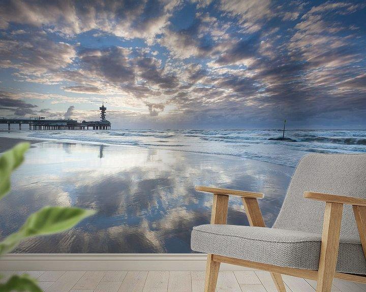 Sfeerimpressie behang: Zonsondergang bij de Pier in Scheveningen van Ron Buist