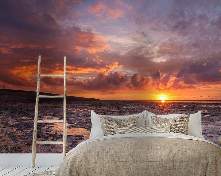 Sfeerimpressie behang: Rode zonsondergang bij Ternaard van Ron Buist
