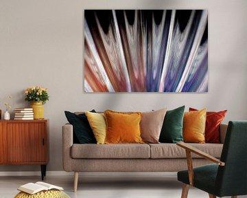 Abstracte waaier van glas in kleur van Lisette Rijkers