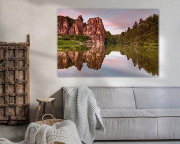 Externsteine im Morgenlicht mit einer faszinierenden Spiegelung von Jiri Viehmann