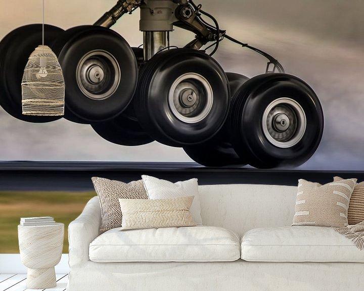 Sfeerimpressie behang: Some mighty tyres van Nildo Scoop