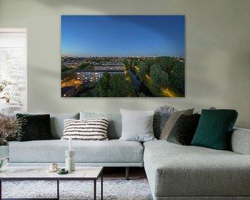 Amsterdam tijdens het blauwe uurtje van Foto Amsterdam / Peter Bartelings