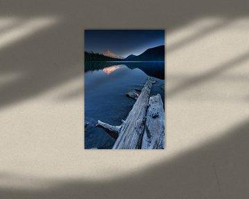Der Leuchtende Berg Mount Hood in Oregon USA am Mirror Lake. von Voss Fine Art Fotografie