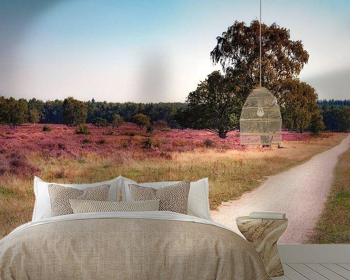 Sfeerimpressie behang: Heide in bloei van Jan van der Knaap