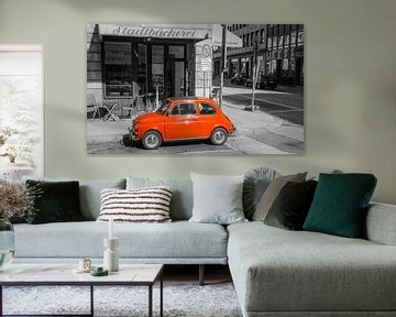 Fiat 500 klassieke Italiaanse auto in de stad van Sjoerd van der Wal