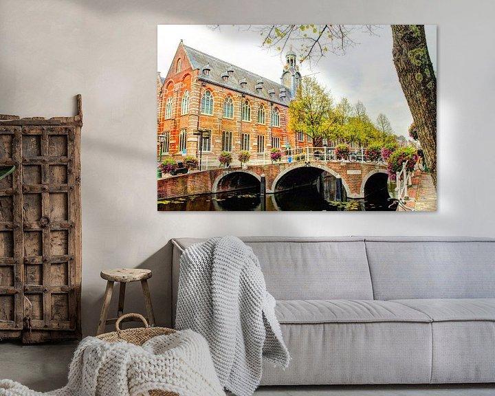 Sfeerimpressie: Nonnenbrug met Academiegebouw Leiden Nederland van Hendrik-Jan Kornelis