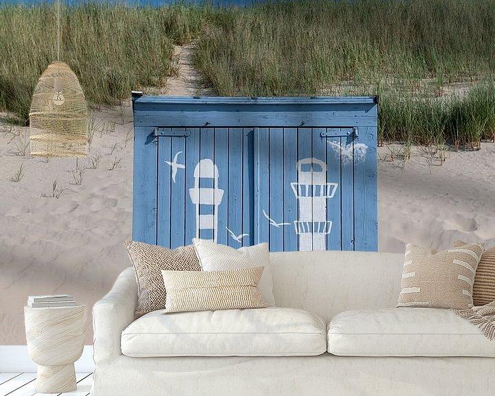 Impression: Portrait d'une maison de plage bleue sur Mark Bolijn