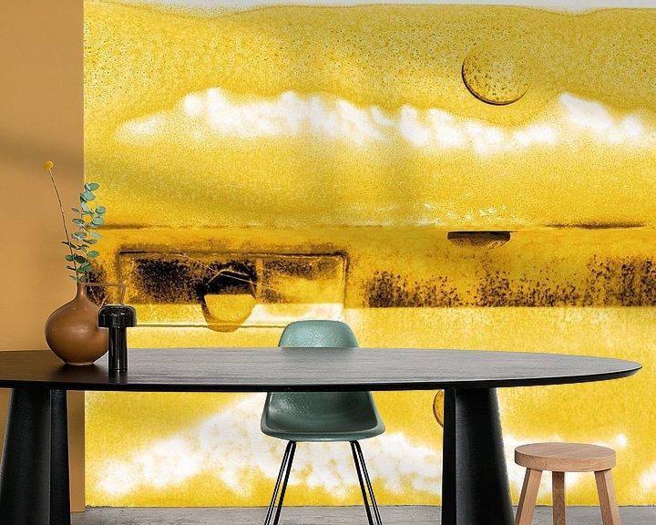 Sfeerimpressie behang: Minimalisme Kunst Fotografie Vangrail Goud van Hendrik-Jan Kornelis