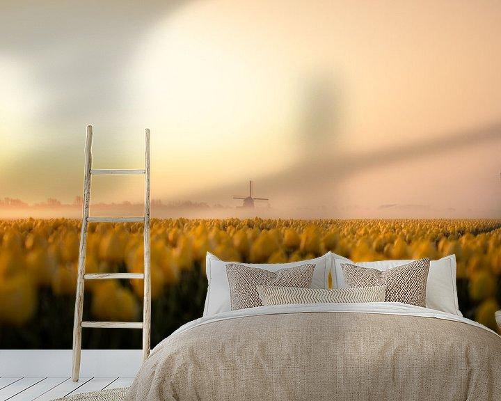 Sfeerimpressie behang: Tulpen veld Noord Holland van Thomas Bartelds