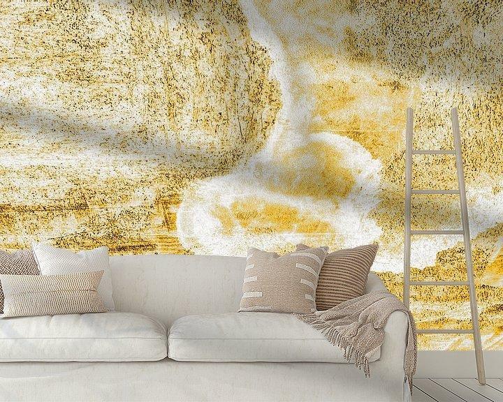 Sfeerimpressie behang: Minimalisme Kunst Fotografie Betonnen Muur Goud van Hendrik-Jan Kornelis