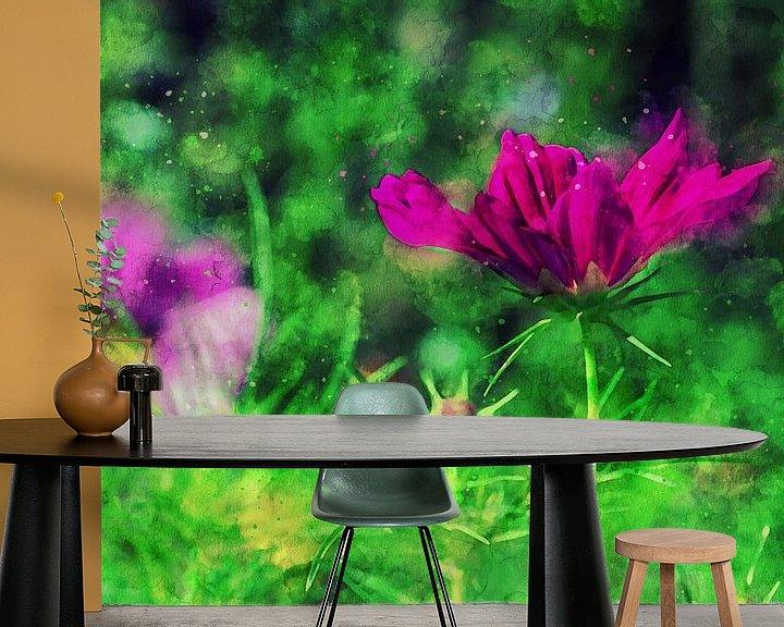 Sfeerimpressie behang: Tuinbloemen in helder roze van Petra Dreiling-Schewe