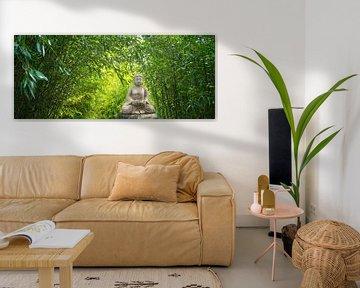 Boeddhabeeld in bamboetuin van Dörte Stiller