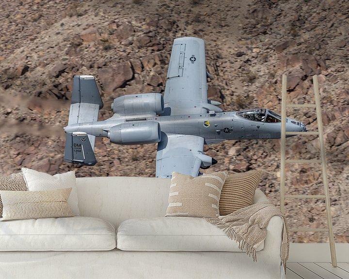 Sfeerimpressie behang: How low can you go? Fairchild Republic A-10 Thunderbolt II vliegt door de Rainbow Canyon! van Jaap van den Berg
