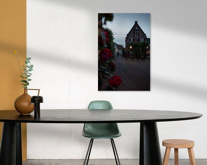 Sfeerimpressie: Huis met rozen (II) van Manuuu S