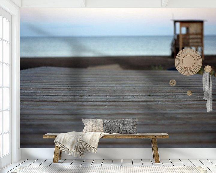 Sfeerimpressie behang: beachwalk van Jeroen van Deel