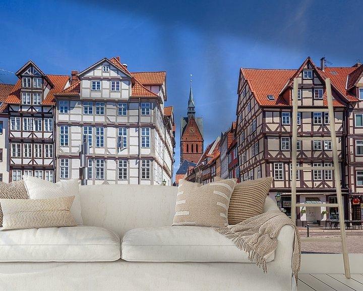 Sfeerimpressie behang: Oude stad met vakwerkhuizen en marktkerk op de Holzmarkt met uitzicht in de Kramerstrasse, Hannover, van Torsten Krüger