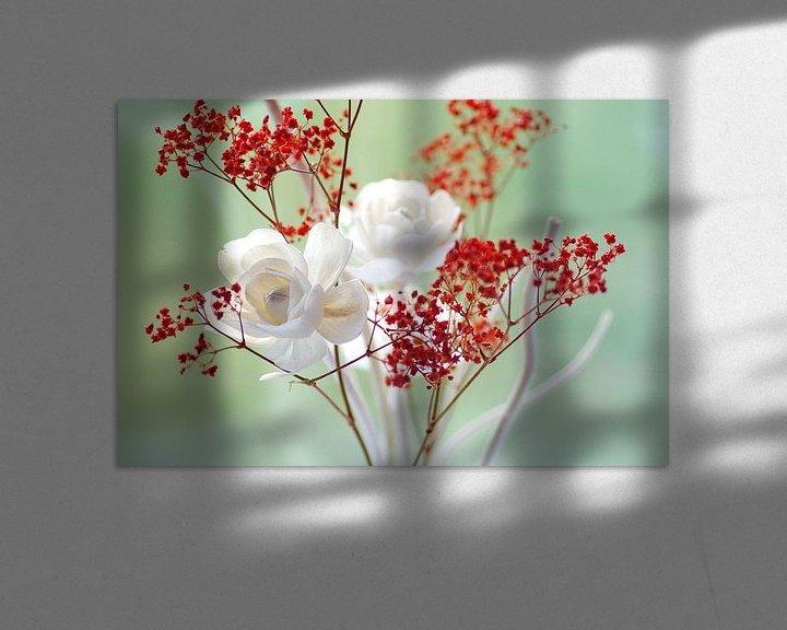 Sfeerimpressie: Verse rozenblaadjes stilleven van Tanja Riedel