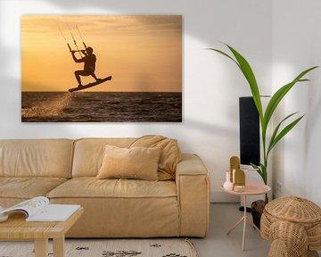 Kitesurfen - spelen op de golfen van Ton Tolboom
