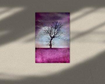 ATMOSPHERIC TREE van INA FineArt