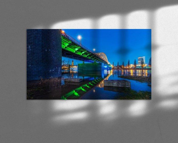 Sfeerimpressie: De John Frostbrug tijdens het blauwe uur in Arnhem van Bart Ros