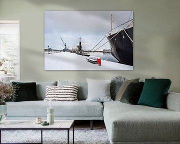 Blick über den Stadthafen in Rostock im Winter von Rico Ködder