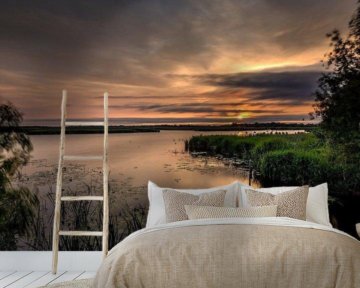 Sfeerimpressie behang: Zonsondergang in de Onlanden van Jacques Jullens