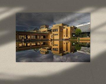 Kunstmuseum op een bewolkte dag van Rini Braber