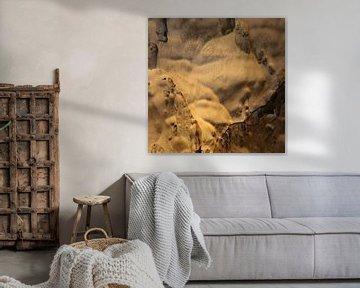 Gnome und Trolle an einer Höhlenwand. von kall3bu