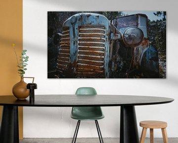Kaputter Traktor als Stillleben von Lisa Zet