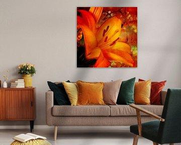 Eine orangefarbene Taglilie mit malerischen Blüten. von Helga Blanke