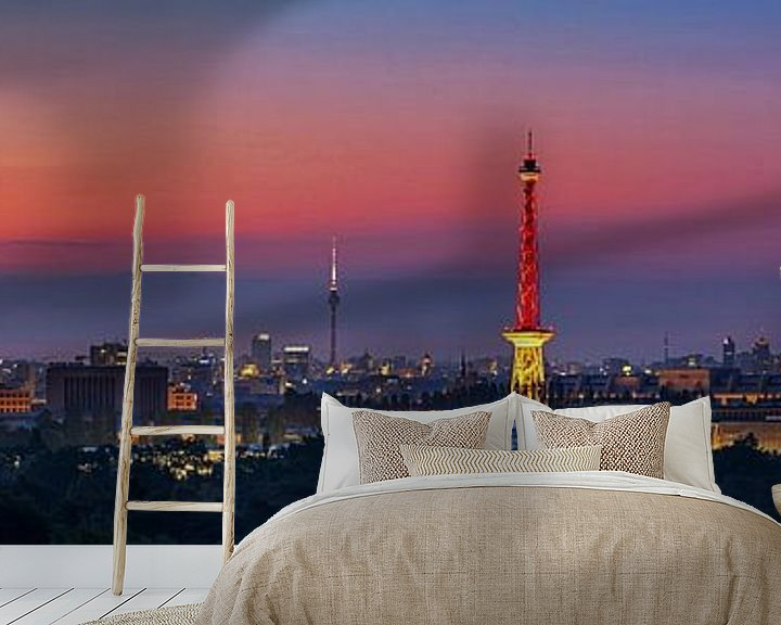 Beispiel fototapete: Berlin Skyline Panorama im Sonnenaufgang von Frank Herrmann