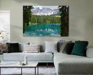 Reflexion Berge im türkisfarbenen Wasser Karersee Lago di Carezza Südtirol Italien von My Footprints