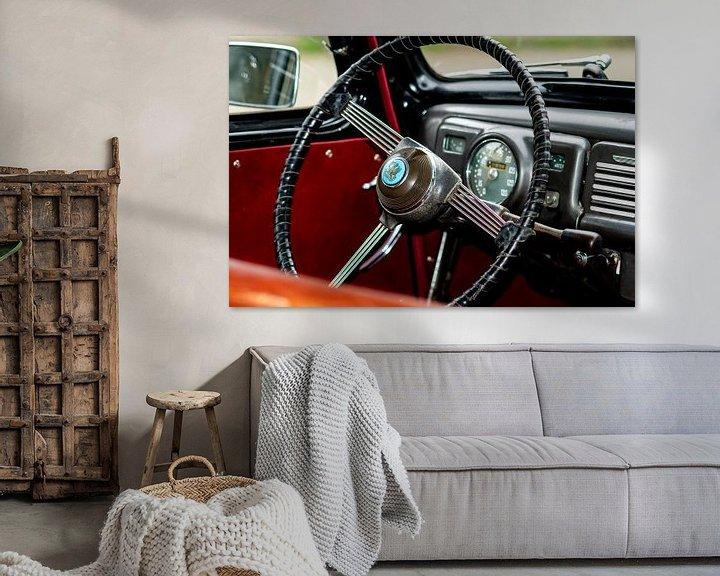 Sfeerimpressie: Stuur en dashbord van een oldtimer auto van JM de Jong-Jansen