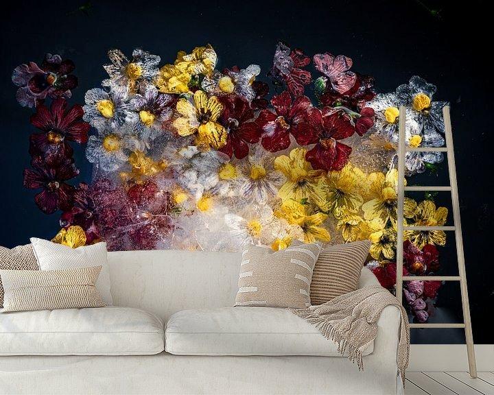 Beispiel fototapete: Fotos von Blumen, die im Eis eingefroren sind von Thilo Wagner