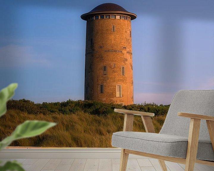 Sfeerimpressie behang: Watertoren Domburg in zomers licht van Thom Brouwer