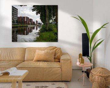 Appartementen langs het Zuid-Willemsvaart kanaal in Weert van JM de Jong-Jansen