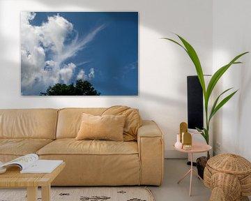 Wolkendek en een blauwe lucht van JM de Jong-Jansen
