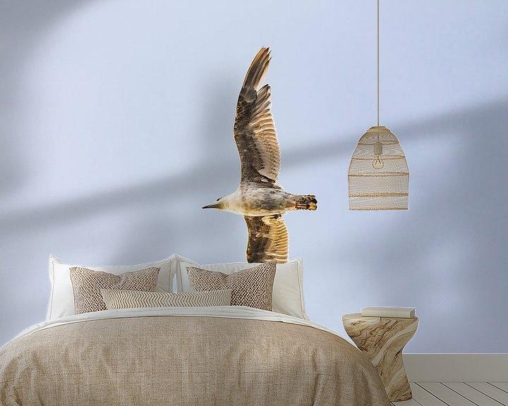 Sfeerimpressie behang: Zwevende zeemeeuw van 2BHAPPY4EVER.com photography & digital art