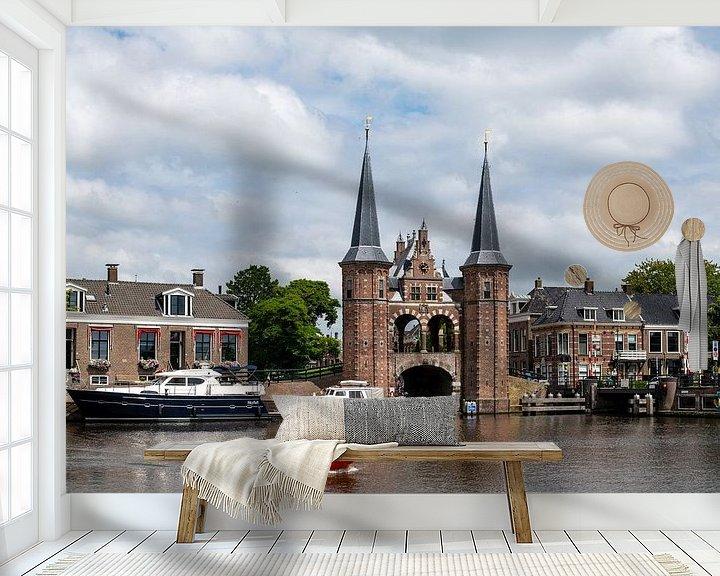 Sfeerimpressie behang: Sneek Waterpoort van Martin de Bock