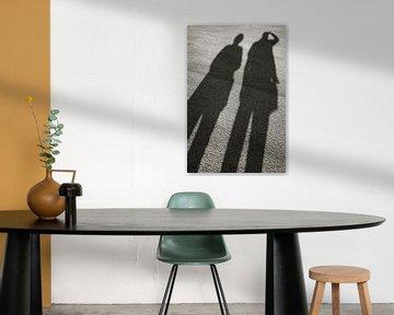 Schatten auf Asphalt von Heiko Kueverling